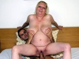 Plumper old slut devours cock