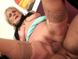 Sexy Granny fuck hole filled